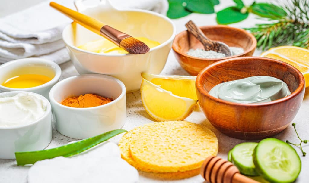 Looking for some luxurious at-home turmeric face masks to buy or DIY? Check out our favorites! Plus, learn why this spice is so great for your skin!