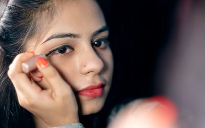 How to Apply Makeup on Dry Skin the Right Way