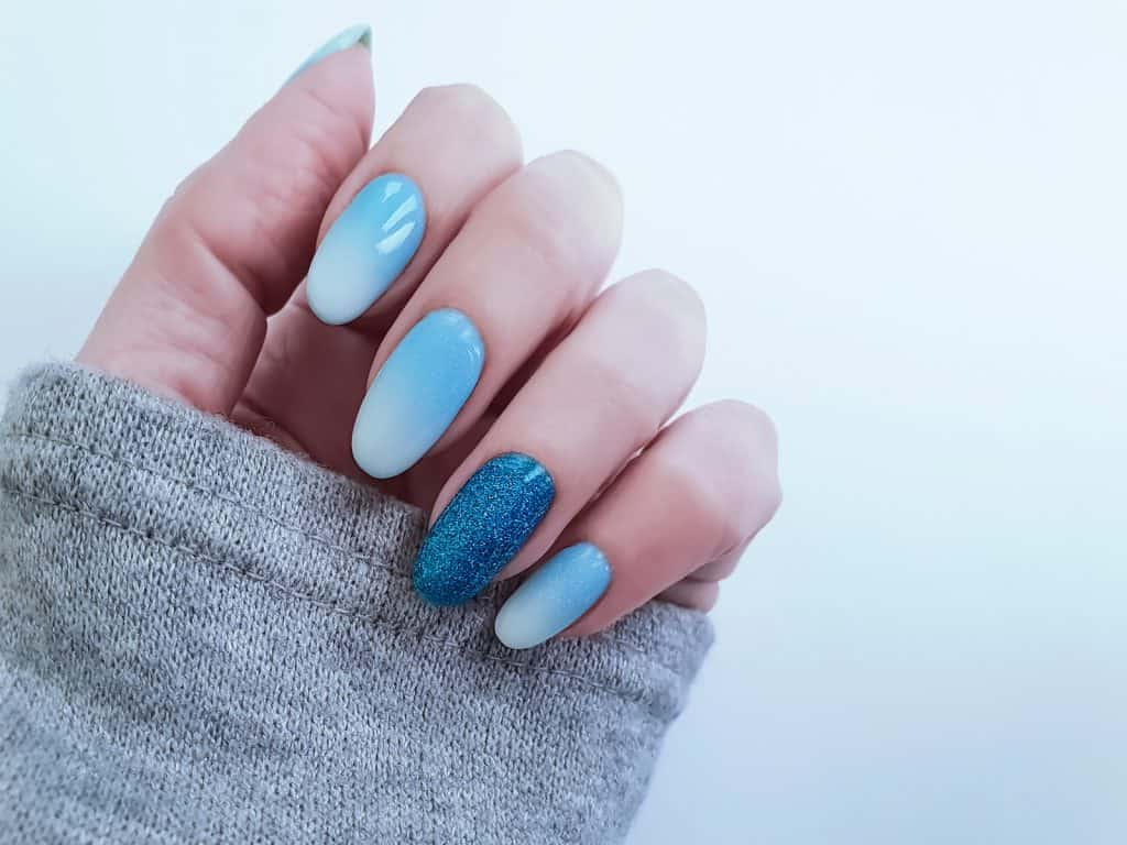Ombre blue sky summer nail design