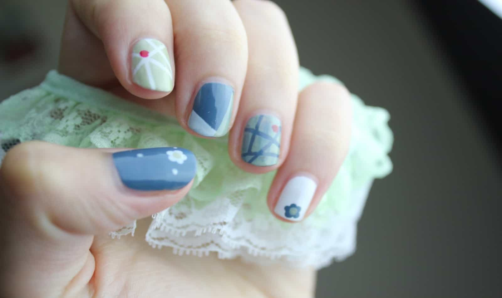 combinate of white and light blue indie nails