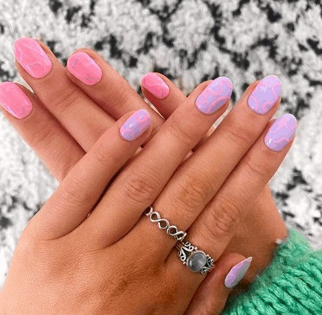 indie nail designs with lavender colors at the left hand and pink colors at the right hand