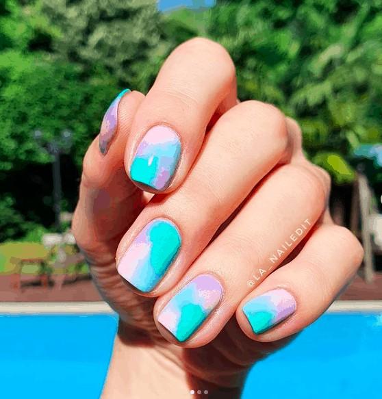 sponged indie nails
