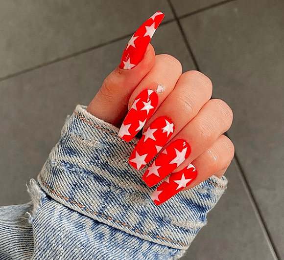 red nails with white stars