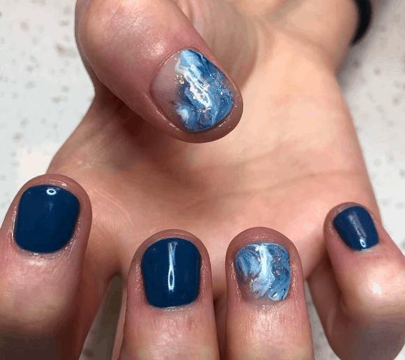 Water Waves memorial day nail design