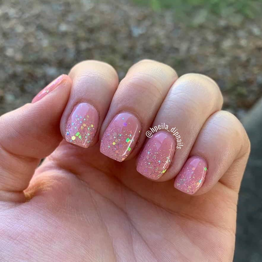 pink nails with glitters