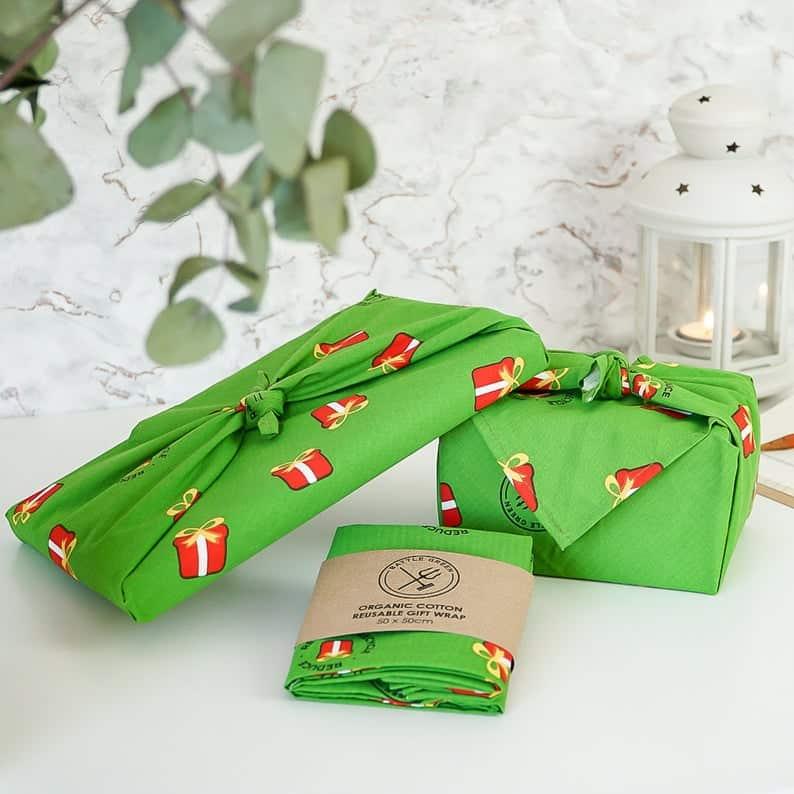 Zero Waste Kit in a green oranic cotton wrap