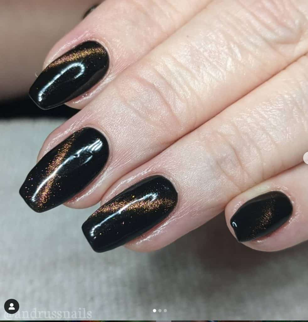 black and gold halloween nail designs