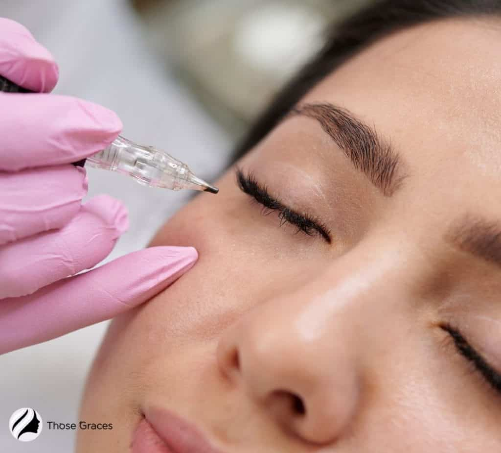 lady's eyes with permanent makeup eyeliner