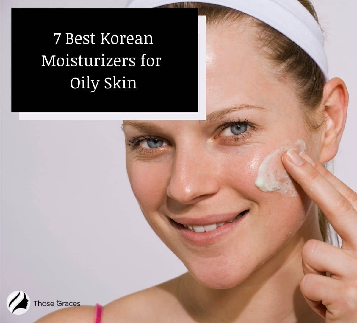 smiling woman using the best korean moisturizer for oily skin for night time routine